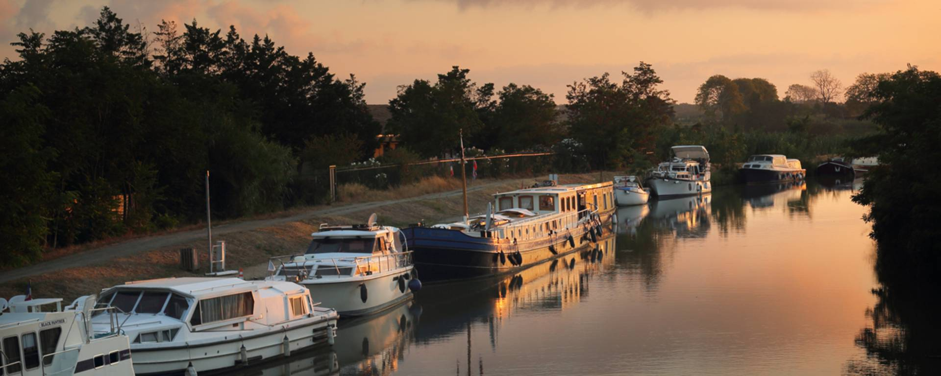 Summer evening on the Canal du Midi ©G. Souche