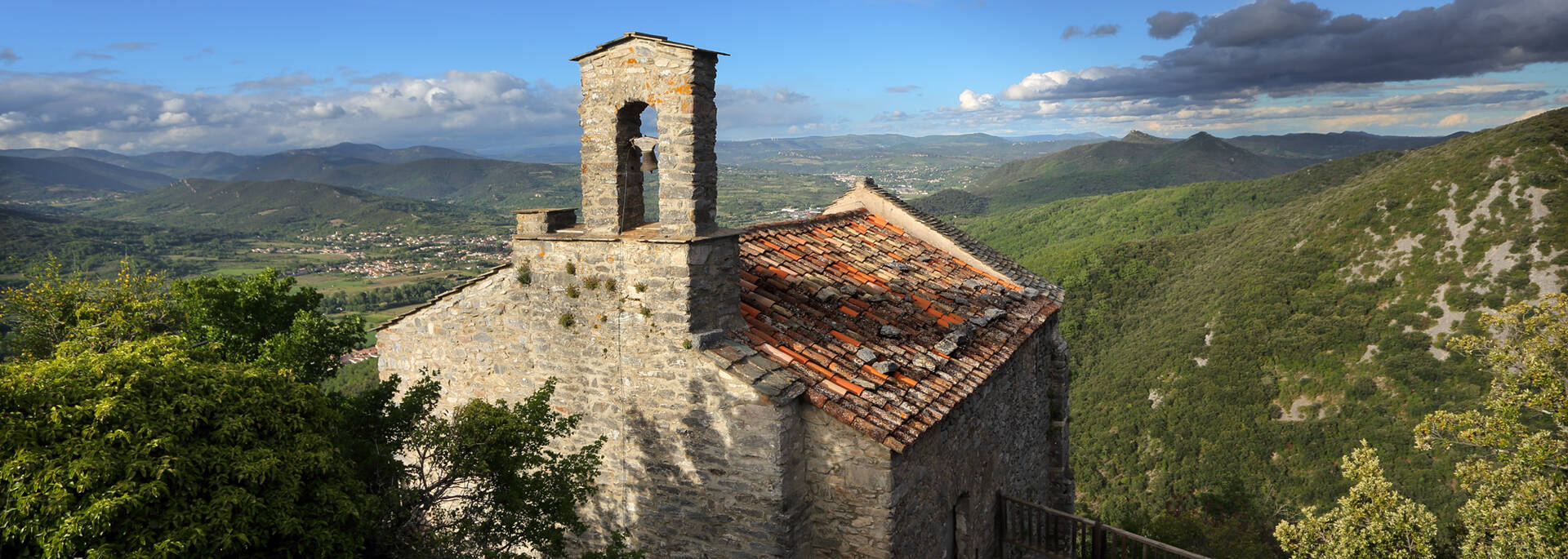 Stone chapel in the Haut Languedoc et Vignobles