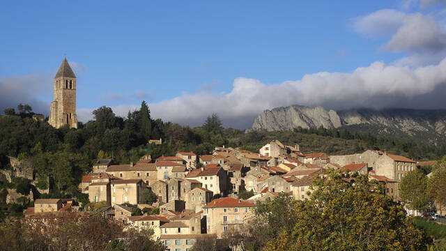 Village on the hilltop Pays d'Art et d'Histoire Haut Languedoc et Vignobles