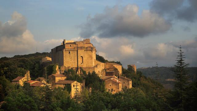 """Castle in the """"Pays d'Art et d'Histoire"""" of the Haut Languedoc et Vignobles"""