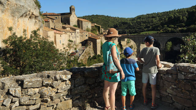 Tourists in MInerve ©G.Souche