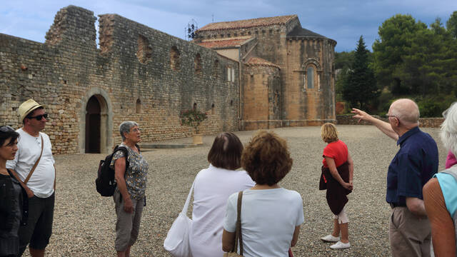 Visiting the Abbey of Fontcaude ©G.Souche