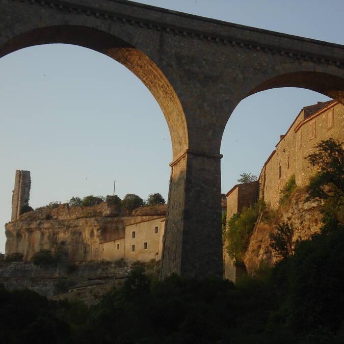 Ruins of a chateau, Pays d'Art et d'Histoire Haut Languedoc et Vignobles