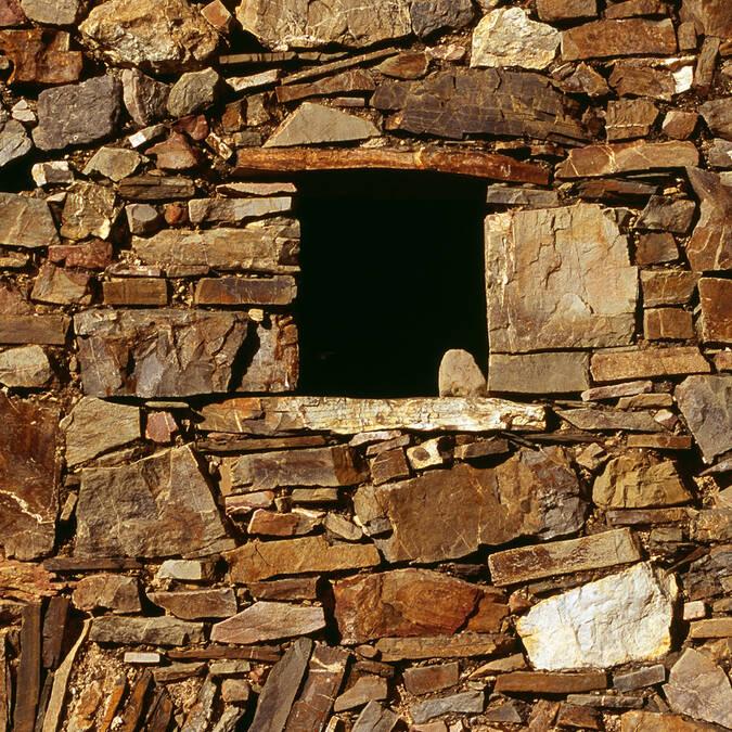 Stone storehouse in the Pays d'Art et d'Histoire Haut Languedoc et Vignobles