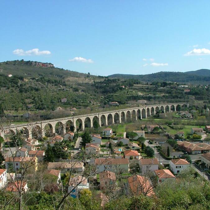 Viaduct crossing the Pays d'Art et d'Histoire Haut Languedoc et Vignobles