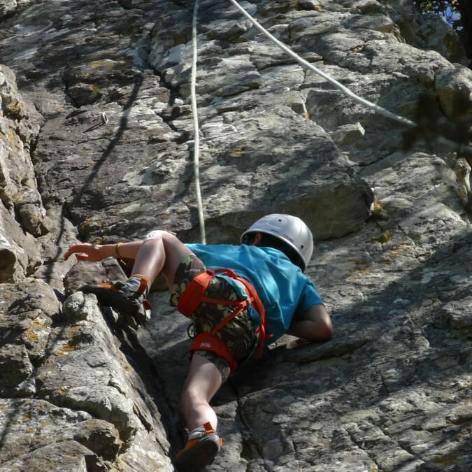 enfant grimpeur